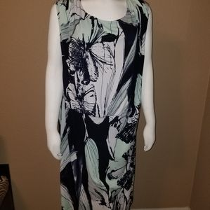 Avenue brand floral midnight blue & green size 22